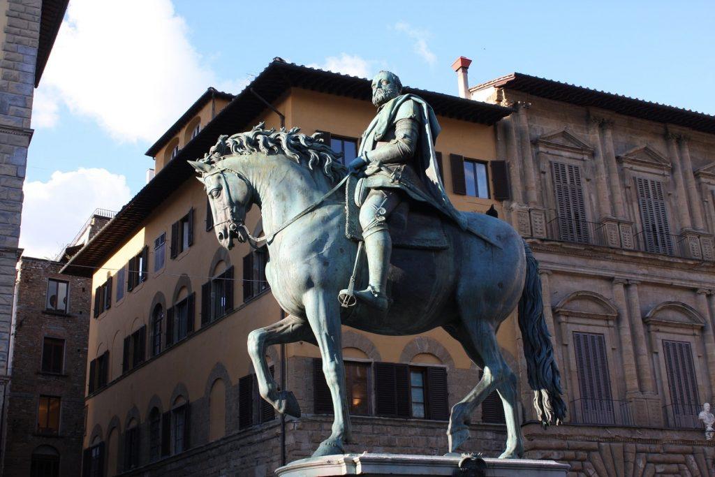 Bronze-equestrian-statue-of-Cosimo-I-de-Medici-Florence